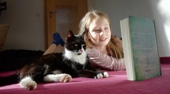 Tierisches Projekt: Kinder lesen – Katzen lauschen